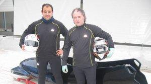 Fermin Paularena y Oscar Goñi, aprendiendo a pilotar