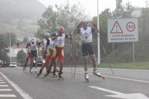 El grupo de cabeza, aguantando el chaparrón. Foto: Esquiblog.com